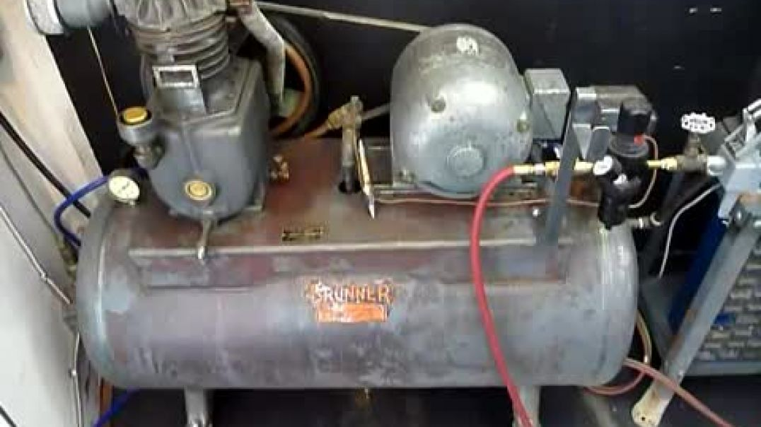 Vintage Brunner air compressor Flamingsteel