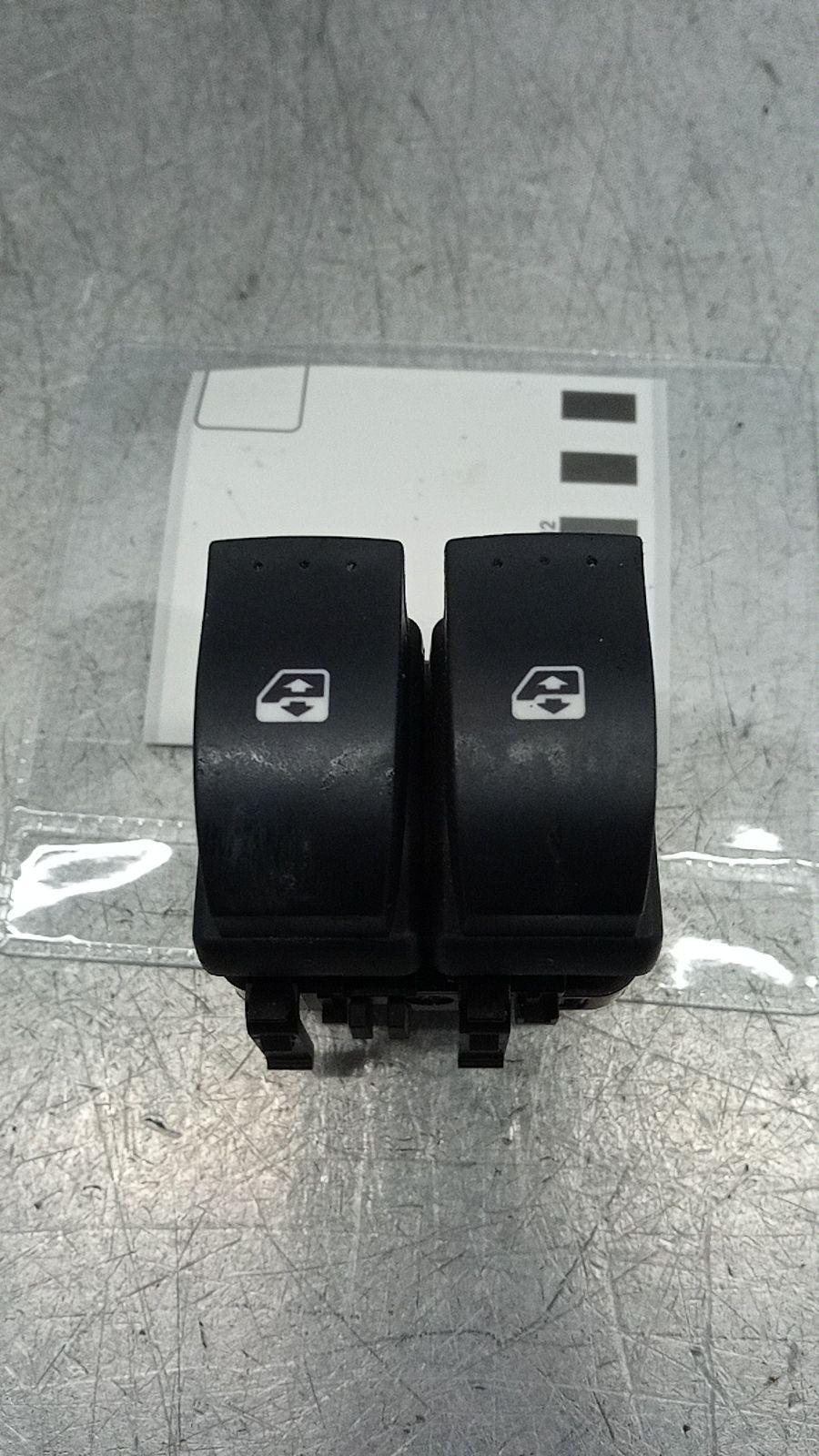 Interruptores dos Vidros Frt Esq (20390123).