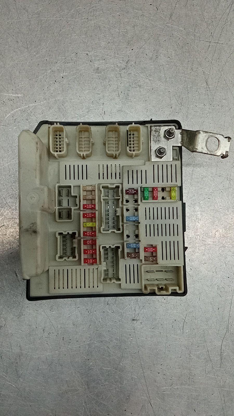 Caixa dos Fusíveis (20393005).