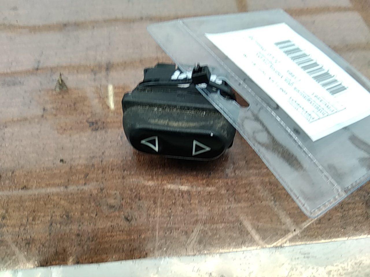 Interruptores dos Vidros Frt Drt (20395041).