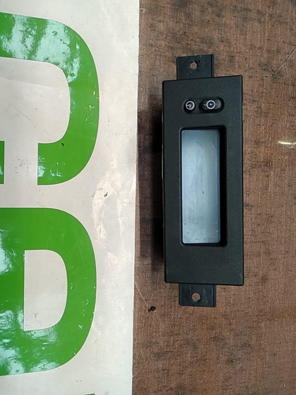 Mostrador de Rádio e Relógio