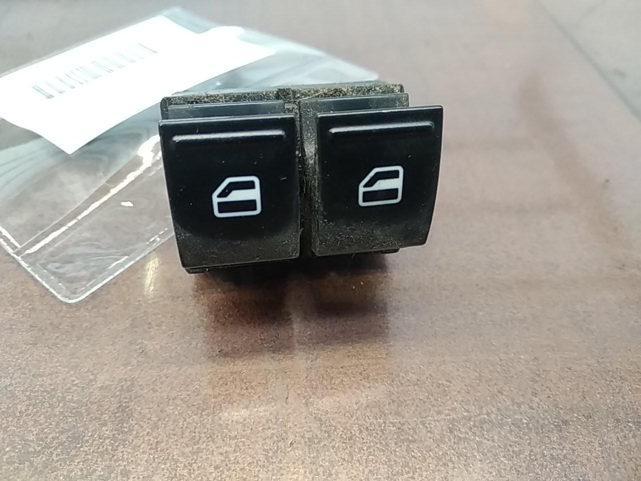 Interruptores dos Vidros Frt Esq (20404620).