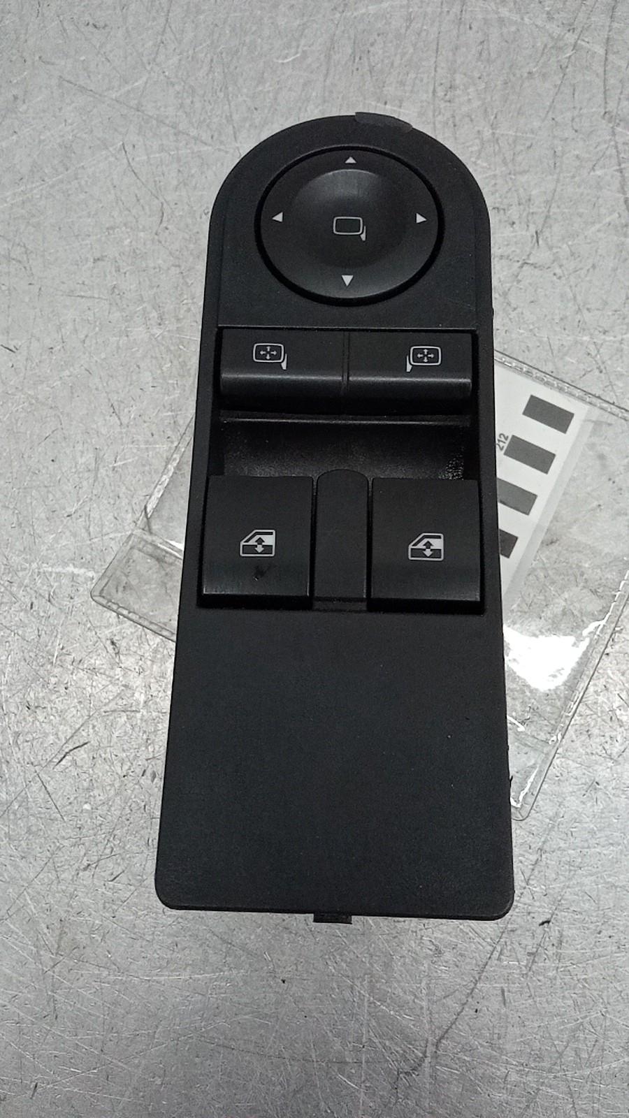 Interruptores dos Vidros Frt Esq (20411935).