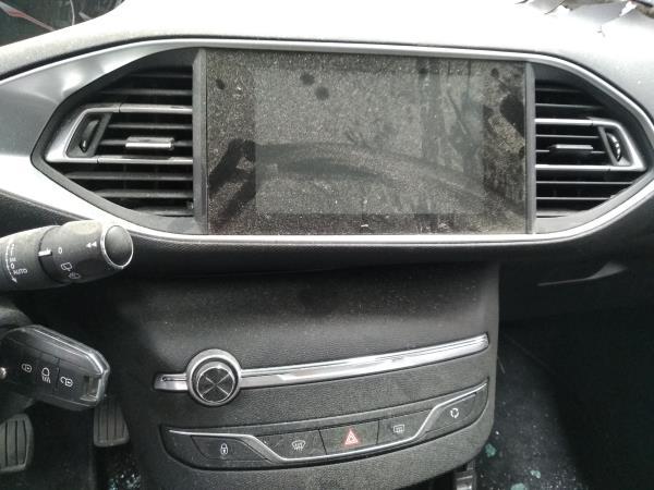 Auto Rádio (20409250).