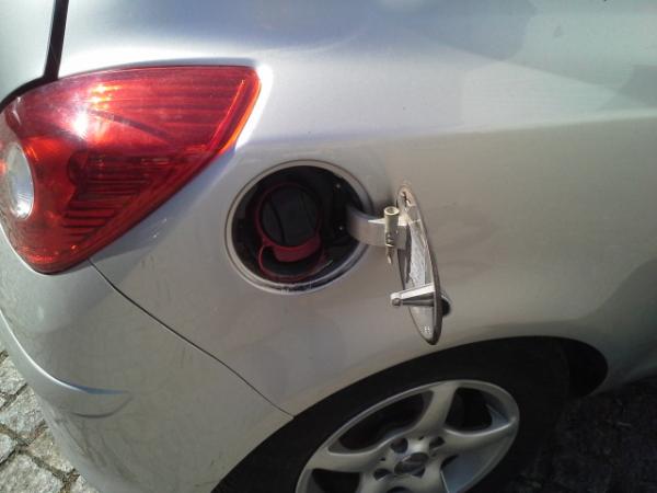Porta de combustivel