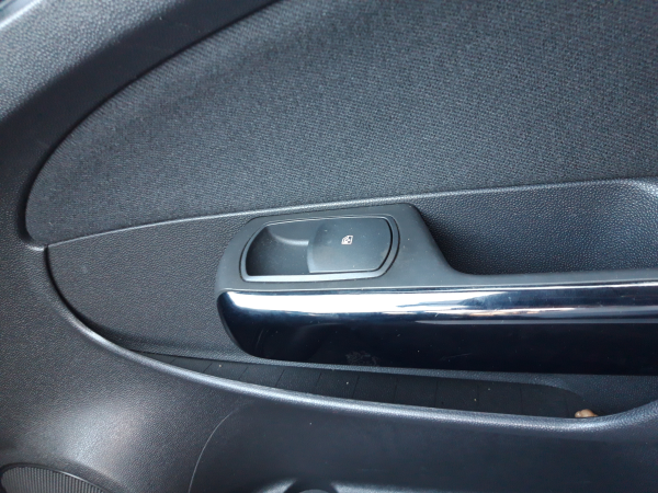 Interruptor vidro porta passageiro (20230536).
