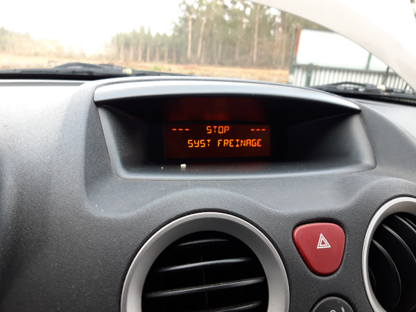 Display rádio (20223208).