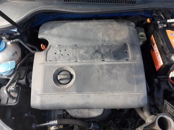 Cobertura motor (20234042).