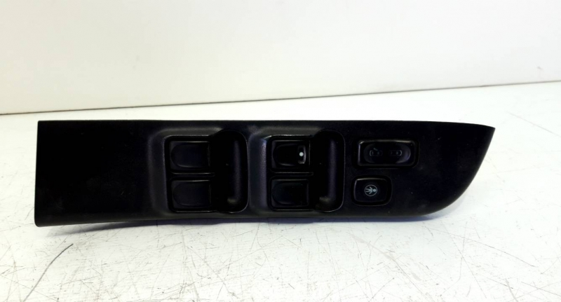 Interruptor vidros porta cond/pass (20195943).