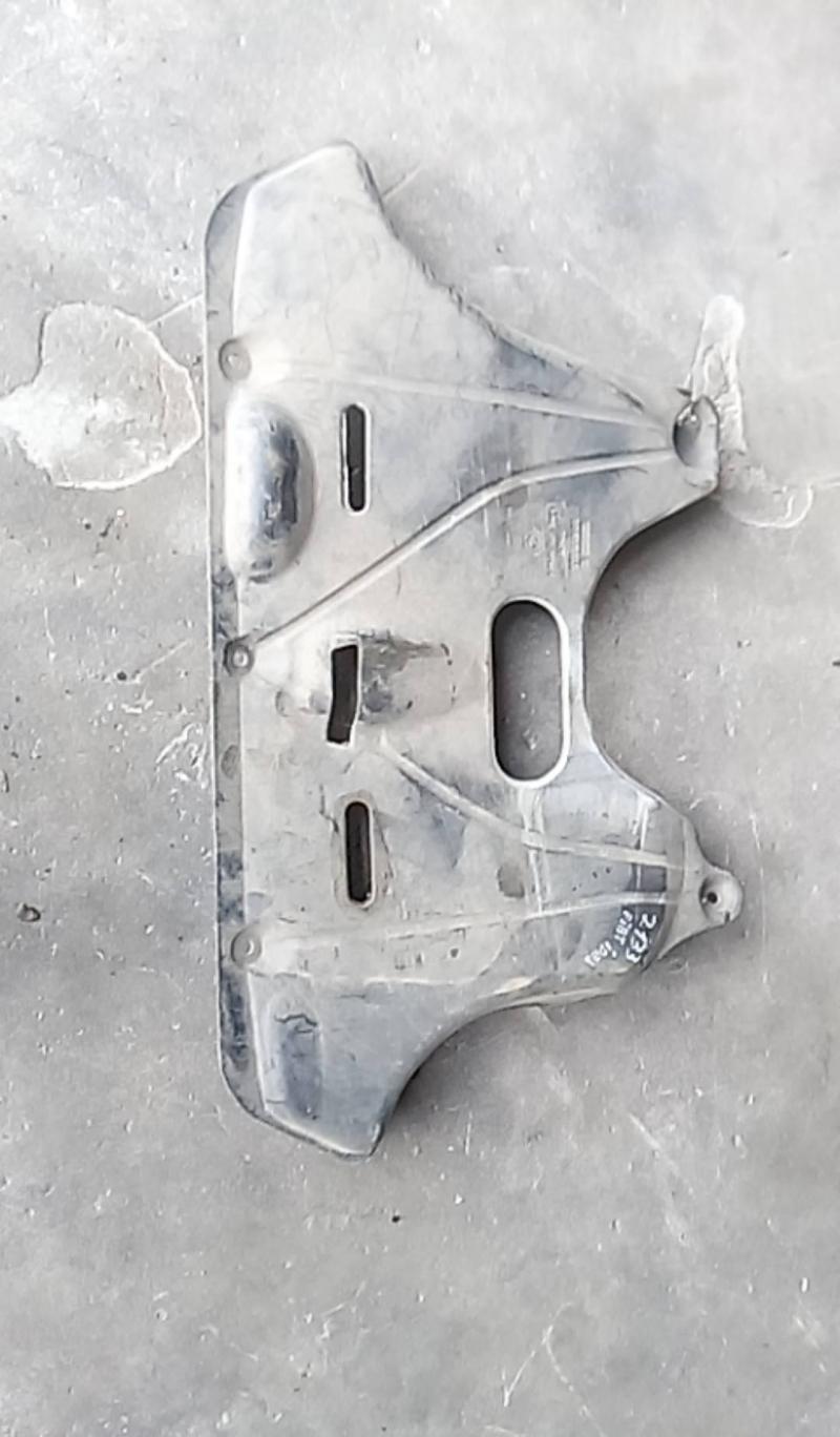 Protecção inferior motor (20202074).