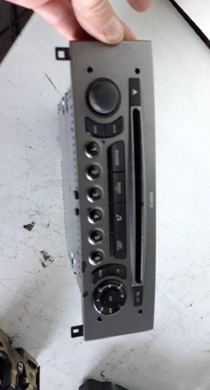 Auto Radio cd mp3 (20203657).