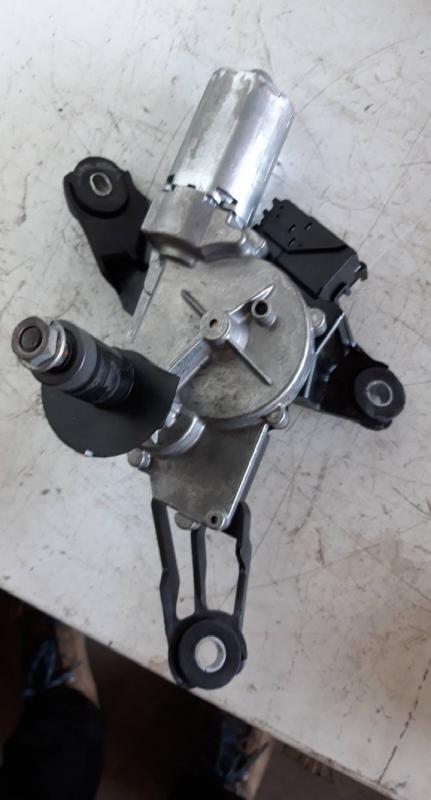 Motor limpa vidros tras (20216813).
