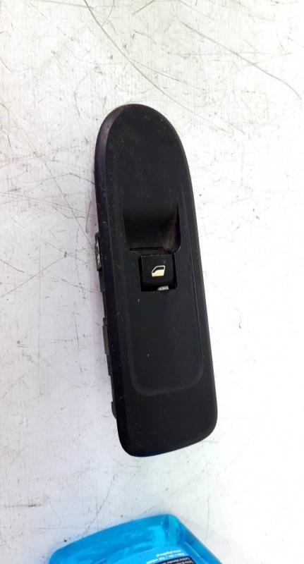 Interruptor vidro porta passageiro (20217492).