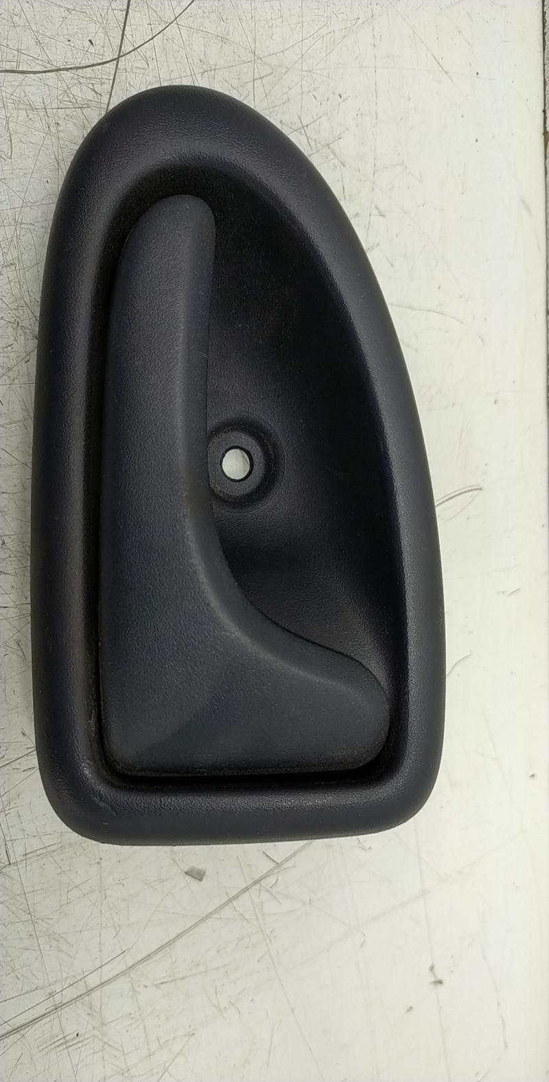 Puxador interior frente direito (20224664).