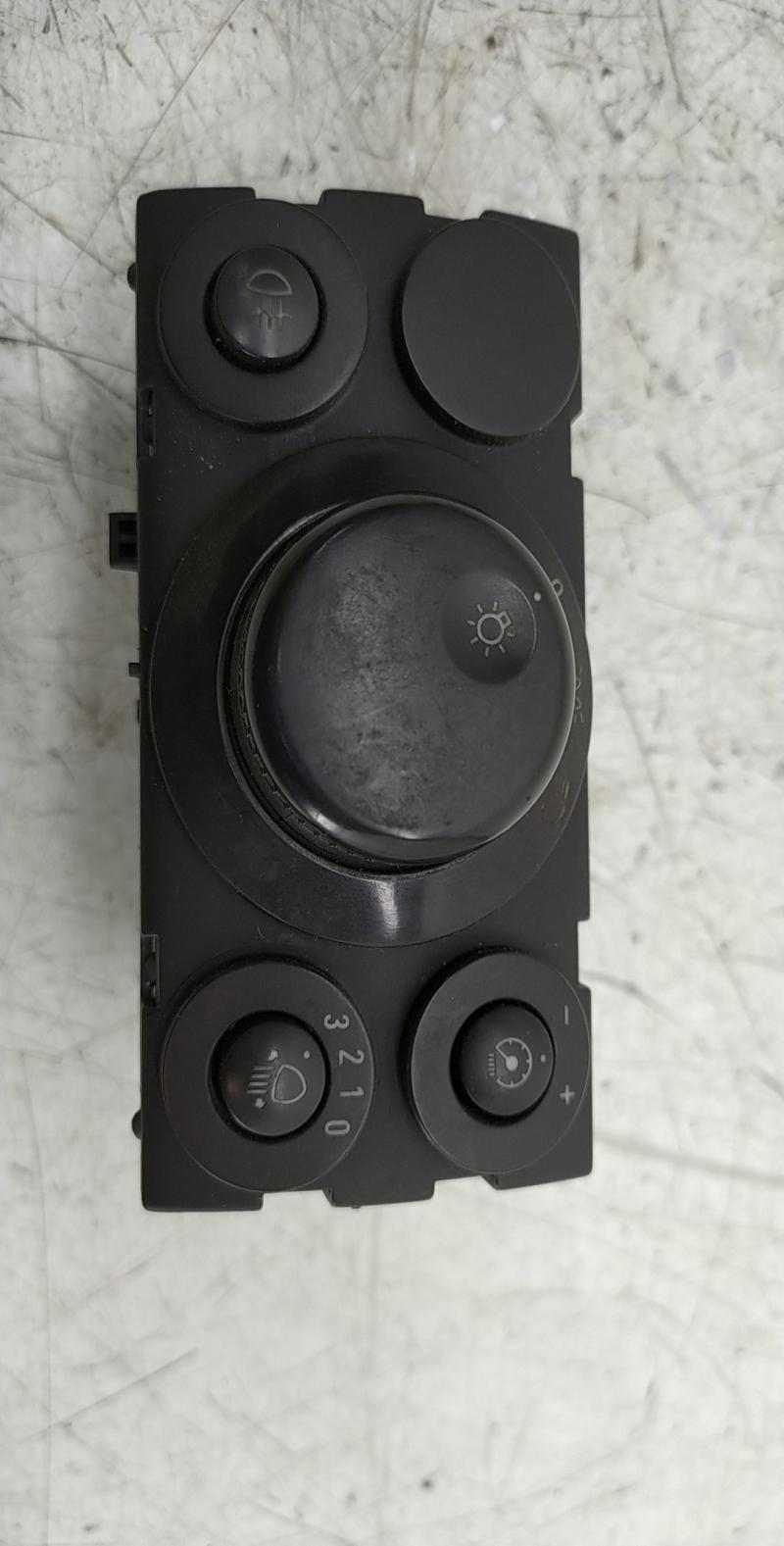 Interruptor luzes (20234472).