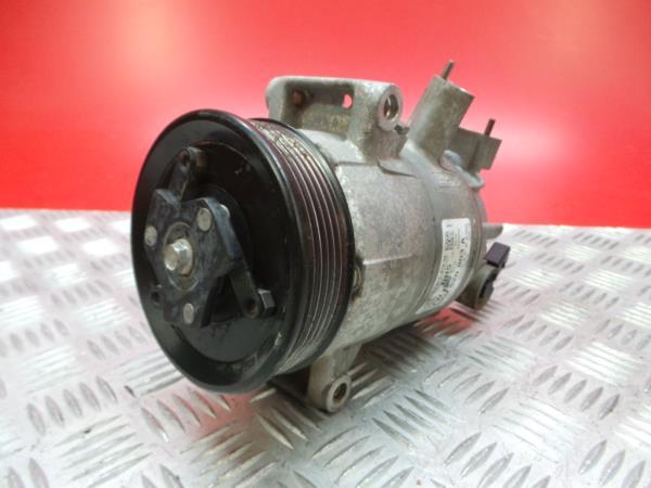 Compressor do Ar Condicionado VOLKSWAGEN CADDY III Caixa (2KA, 2KH, 2CA, 2CH)   04 - 15
