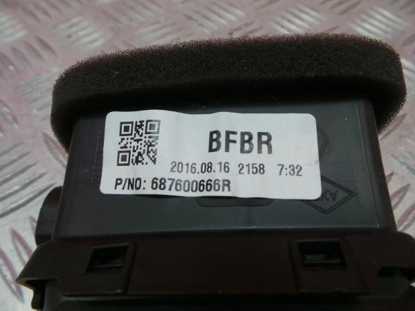 Saida de Ar RENAULT MEGANE IV Hatchback (B9A/M/N_) | 15 -
