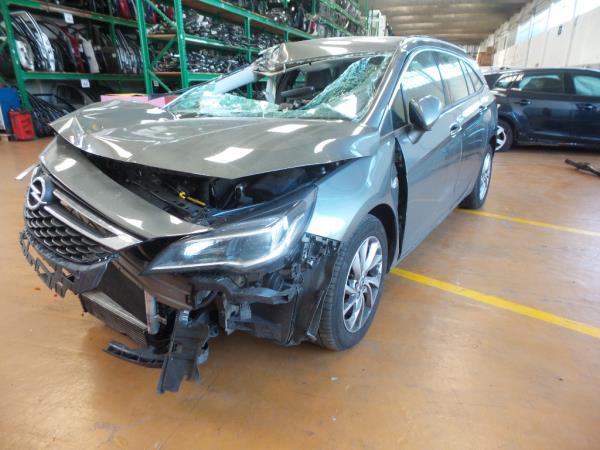 Salvados / Carros Acidentados com Documentos OPEL ASTRA K Sports Tourer (B16) | 15 -