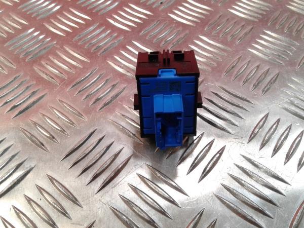 Interruptor / Botoes PEUGEOT 3008 SUV (M_) | 16 -