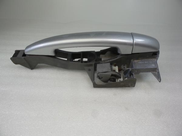 Punho porta Frt Drt PEUGEOT 3008 Veículo multiuso (0U_) | 09 - 17