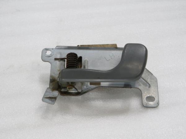 Punho Interior Frt Esq MITSUBISHI CANTER Camião de plataforma/chassis (FB_, FE_, FG_) | 01 -