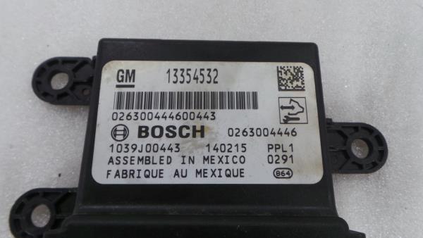 Modulo dos Sensores de Parque OPEL INSIGNIA A três volumes (G09) | 08 - 17