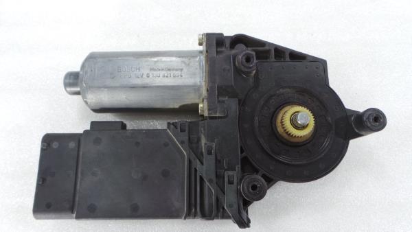 Motor Elevador Frente Direito VOLKSWAGEN PASSAT (3B2)   96 - 01