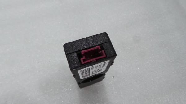 Modulo da Antena VOLVO V40 Hatchback (525, 526)   12 -