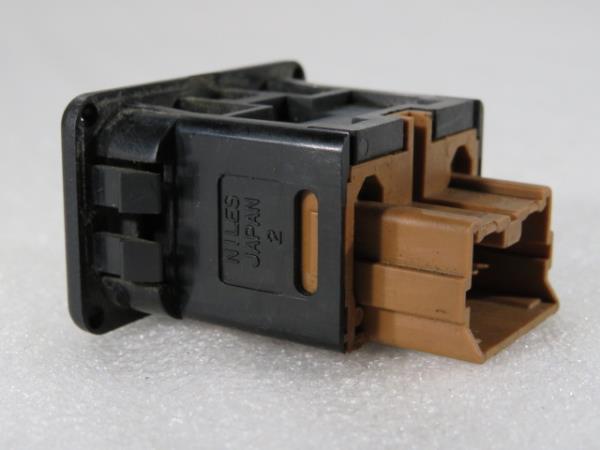 Interruptor / Botoes MITSUBISHI CANTER Camião de plataforma/chassis (FB_, FE_, FG_) | 01 -