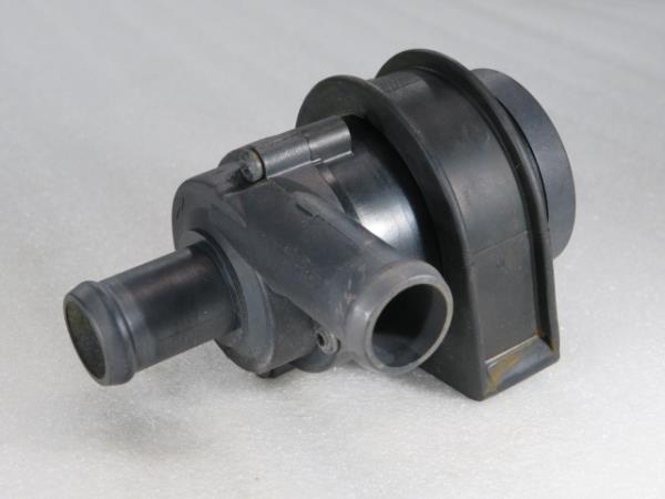 Bomba de Agua Auxiliar VOLKSWAGEN SCIROCCO (137, 138) | 08 - 17