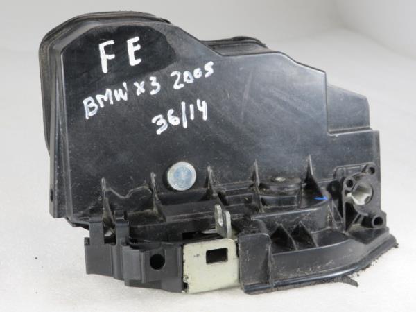 Fecho da Porta Frente Esq BMW X3 (E83)   03 - 11