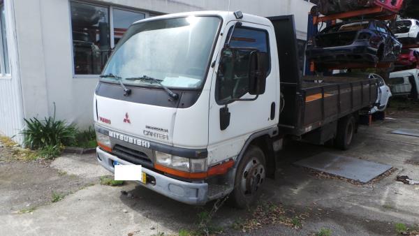 Salvados / Carros Acidentados com Documentos MITSUBISHI CANTER Camião de plataforma/chassis (FB_, FE_, FG_) | 01 -