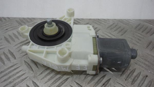 Motor Elevador Frente Esquerdo MERCEDES-BENZ GLA-CLASS (X156) | 13 -