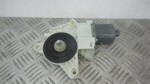 Motor Elevador Frente Direito MERCEDES-BENZ GLA-CLASS (X156) | 13 -