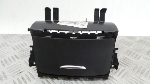 Cinzeiro MERCEDES-BENZ CLA Shooting Brake (X117)   15 - 19