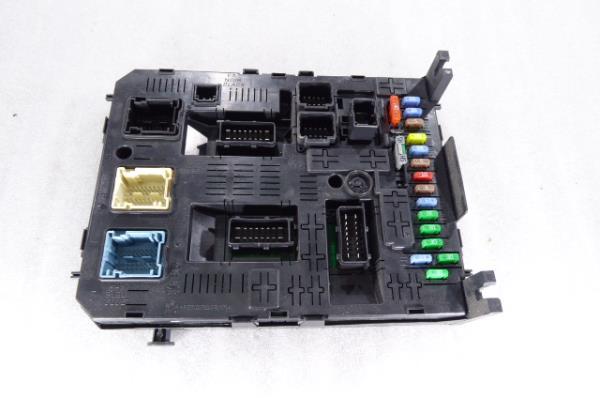 Caixa Fusiveis   SAM   Module PEUGEOT 5008 (0U_, 0E_)   09 - 17