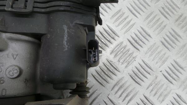 Bombito Tras Esquerdo MERCEDES-BENZ GLA-CLASS (X156) | 13 -