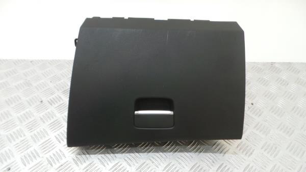 Porta Luvas MERCEDES-BENZ CLA Coupé (C117) | 13 - 19