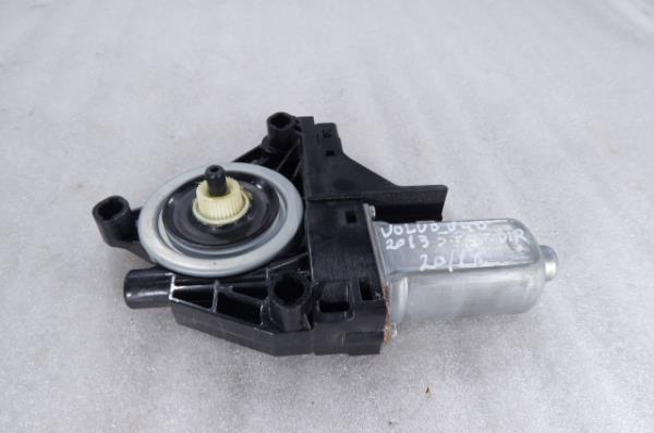 Motor Elevador Frente Direito VOLVO V40 Hatchback (525, 526) | 12 -