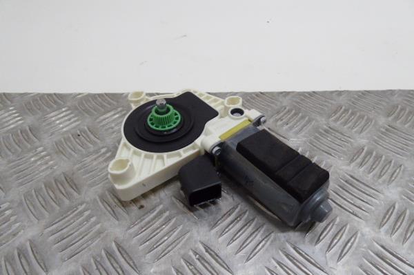 Motor Elevador Frente Esquerdo MERCEDES-BENZ CLA Coupé (C117) | 13 - 19