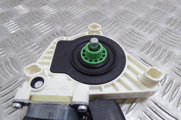 Motor Elevador Tras Esquerdo MERCEDES-BENZ CLA Coupé (C117) | 13 - 19
