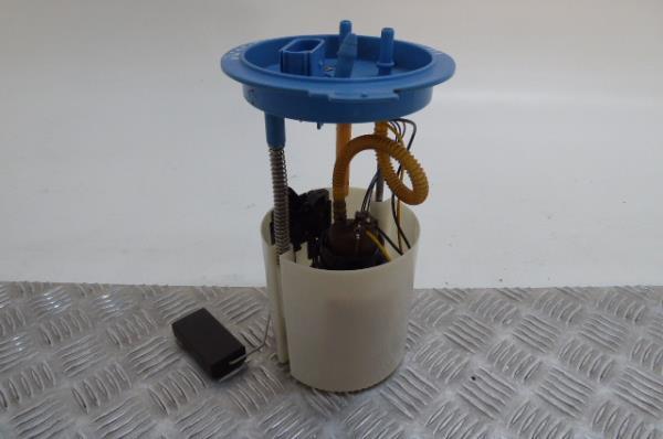Bomba do Depósito de Combustível VOLKSWAGEN SCIROCCO (137, 138)   08 - 17