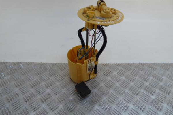 Bomba do Depósito de Combustível TOYOTA VERSO (_R2_)   09 - 18