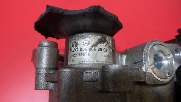 Bomba Direcção Assistida MERCEDES-BENZ C-CLASS (W204)   07 - 15