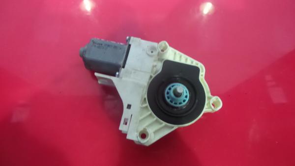 Motor Elevador Tras Direito AUDI A4 (8K2, B8)   07 - 15