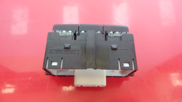 Interruptor / Botoes TOYOTA AURIS (_E18_) | 12 - 18