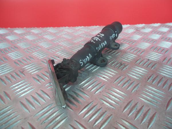 Motor Esguicho Limpa Farois Direito SKODA SUPERB II (3T4) | 08 - 15