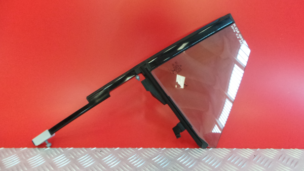 Vidro Triangular Trs Esq MERCEDES-BENZ CLA Shooting Brake (X117) | 15 - 19