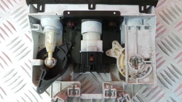 Comando Sofagem / Climatronic MITSUBISHI CANTER Camião de plataforma/chassis (FB_, FE_, FG_)   01 -