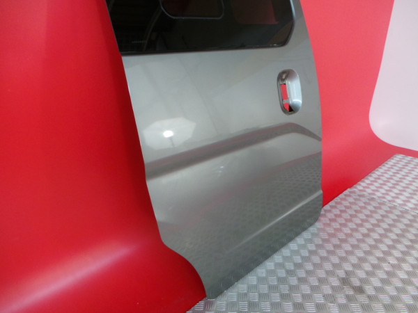 Porta Lateral Direita NISSAN NV200 / EVALIA Autocarro   10 -